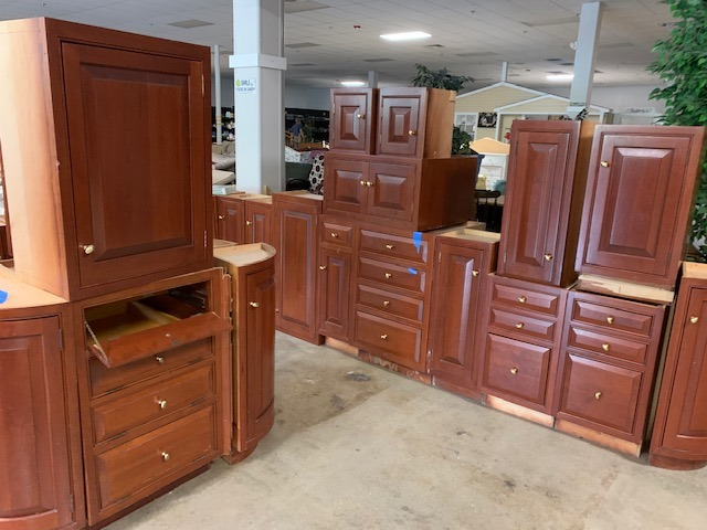 Kitchen Cabinet Set - ReStore Price: $499
